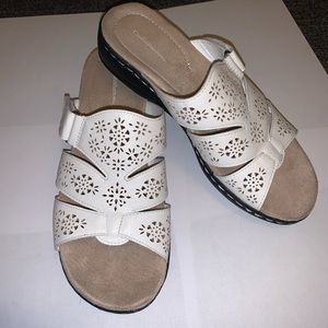 White leather sandals eyelet slide